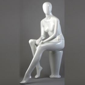 Mannequin femme assise